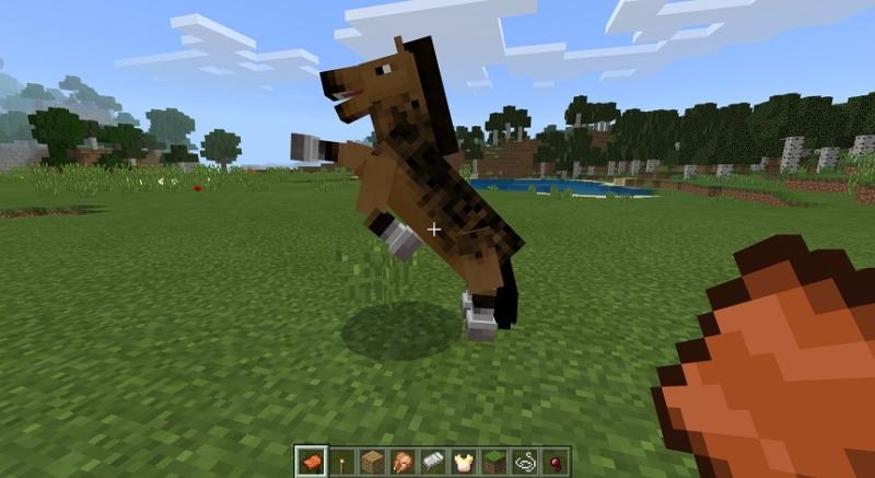 【マイクラ】馬の乗り方を解説!鞍さえあれば乗ることができる!